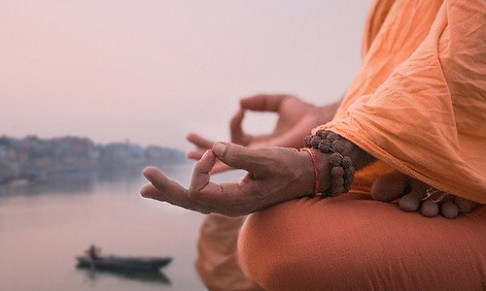 chin-mudra-on-ganges